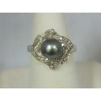 R513 ~ 10k Pearl & Diamond Ring