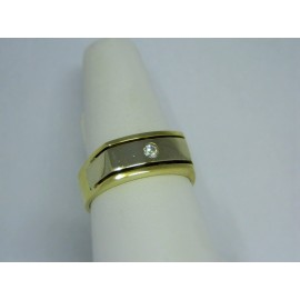 R453 ~ 14k Gold Diamond Band